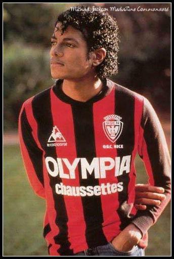 Michael Jackson avec le maillot de l'OGC Nice