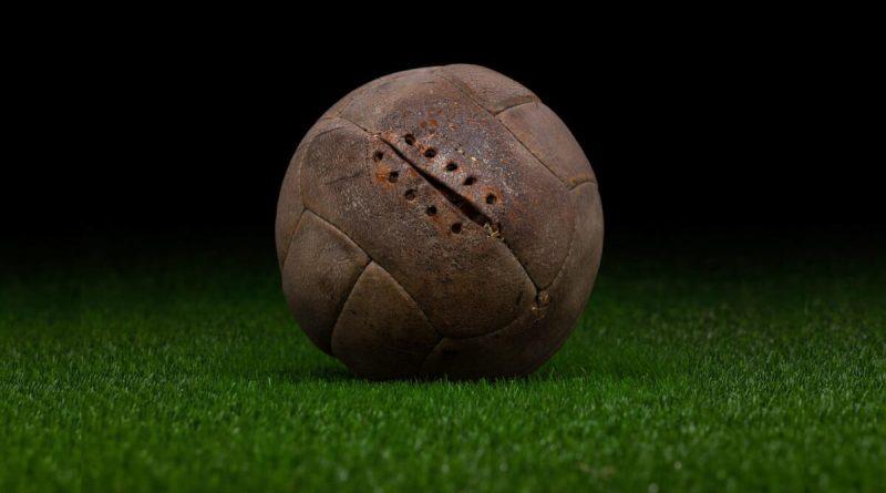 Histoire du ballon de football