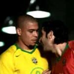 Pub Nike 2004 Figo Ronaldo